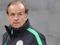 مدرب نيجيريا: هدفي الوصول إلى المربع الذهبي بأمم أفريقيا