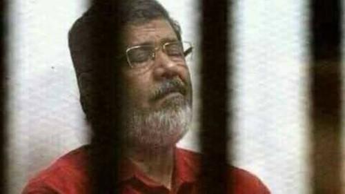 المرشد يسخر من إنجازات الرئيس المصري المعزول محمد مرسي
