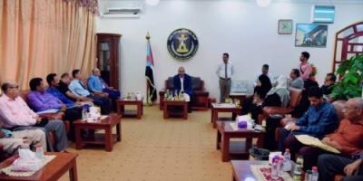 لقاء بين الزبيدي وأعضاء الاتحاد العام للأدباء بالجنوب.. تفاصيل