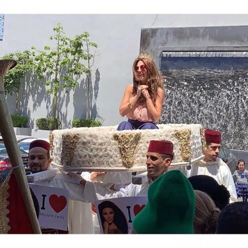 بالصور.. هكذا استقبل الجمهور المغربي ميريام فارس قبل إحياء حفلها