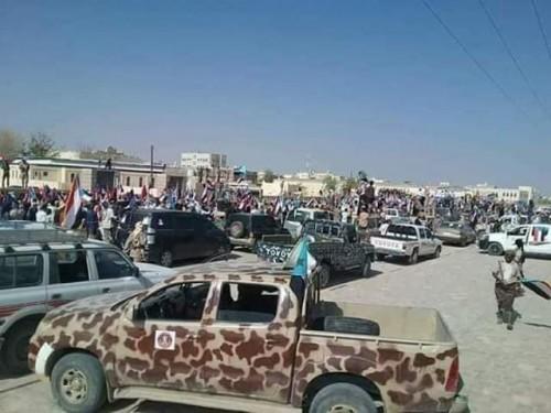 وصول الشيخ صالح بن فريد وعدد من قيادات الانتقالي لساحة مليونية عتق (صور)