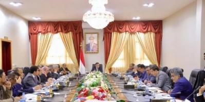 على وقع التصعيد الحوثي.. هل تستطيع الشرعية الانسحاب من المفاوضات الأممية؟