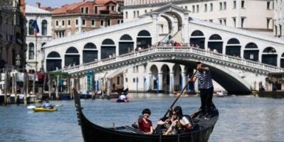 كارثة بيئية تهدد مدن إيطاليا السياحية