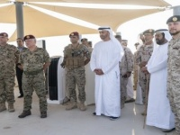 """ولي عهد أبو ظبي وملك الأردن يشهدان تمرين """"الثوابت القوية 1"""""""