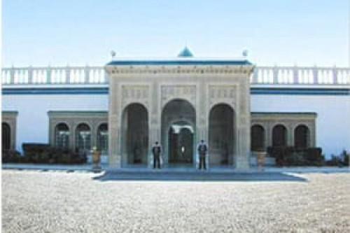 تونس تغلق الطريق المؤدي إلى القصر الرئاسي بعد وقوع انفجارين