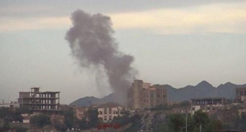 عاجل.. مليشيا الحوثي تستهدف منازل المواطنين بمناطق متفرقة في الضالع