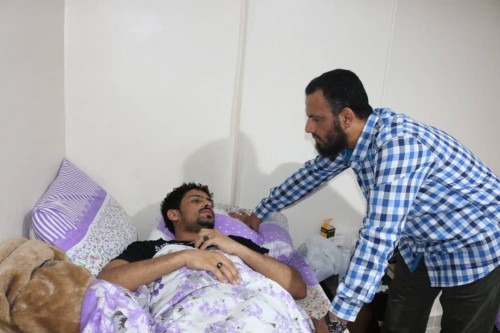 بن بريك يتفقد جرحى معارك الضالع في مصر (صور)