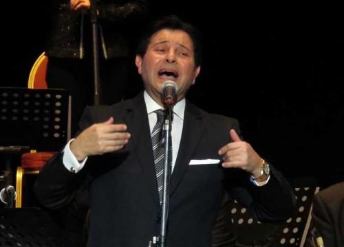 الجمعة.. هاني شاكر يحيي حفلًا غنائيًا بجدة