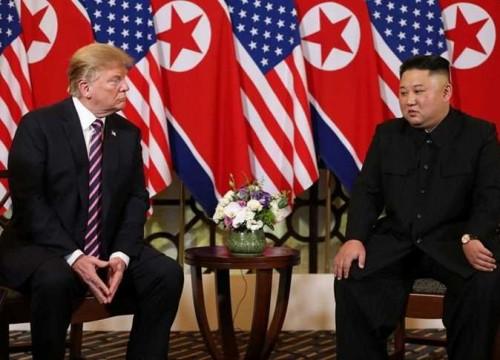تفاصيل اجتماع الـ50 دقيقة بين ترامب وكيم واستئناف المحادثات النووية