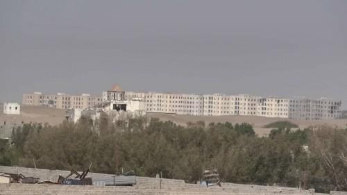مليشيا الحوثي تقصف مواقع القوات المشتركة شرق مدينة الصالح