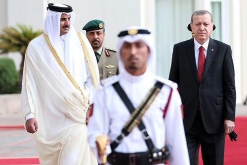 """هاشتاج """"# قطر _ تتخلى _ عن _ تركيا"""" يجتاح تويتر"""