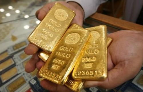 أسعار الذهب تتراجع بنحو 2% لتسجل هذا الرقم