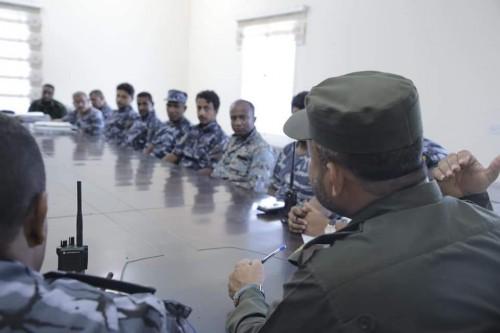تفاصيل الاجتماع الموسع للقيادات الأمنية بساحل حضرموت