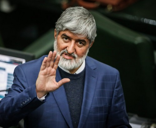 مسؤول بالبرلمان الإيراني مُكذبًا السلطة القضائية: لدينا سجناء سياسيون