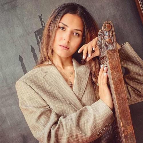 رغم غيابها الفني.. ريهام أيمن تشارك جمهورها صور أحدث جلسة تصوير