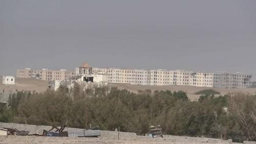 بالقذائف المدفعية..مليشيات الحوثي تقصف مواقع القوات المشتركة شرق مدينة الصالح