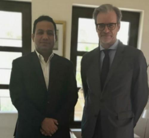 ممثل خارجية المجلس الانتقالي يلتقي السفير الفرنسي لدى اليمن (تفاصيل)