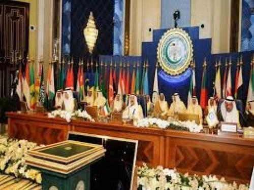 التعاون الإسلامي تؤكد أهمية تعزيز العلاقات مع روسيا