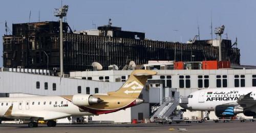 توقف الملاحة الجوية بمطار معيتيقة الدولي بليبيا