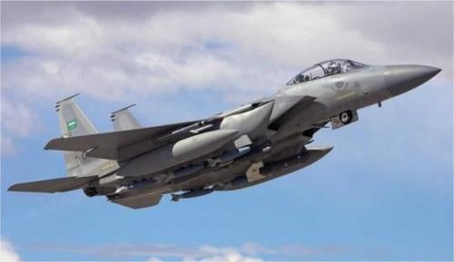 طيران التحالف يقصف مواقع المليشيات في حجة وإب