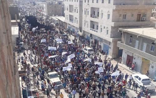 بن فريد: إخراج مليشيات الإخوان من الجزيرة مطلب جنوبي