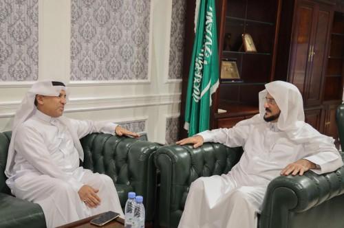 وزير الشؤون الإسلامية السعودي يستقبل سفير المملكة لدى فيتنام