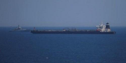 """إيران تواصل اللجوء لحيلة """"سفن الشبح"""" لإنقاذ اقتصادها"""