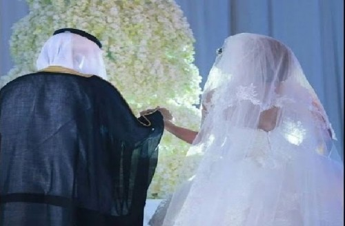 """هاشتاج """" اليوم العالمي للزوجة الثانية """".. يشعل تويتر بدول الخليج (صور)"""
