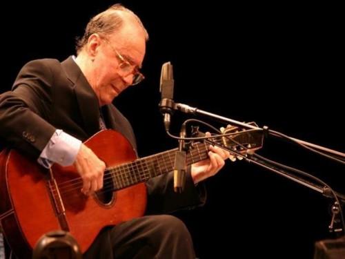 وفاة المغني البرازيلي جواو جيلبرتو