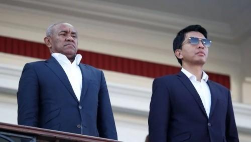 تعرف على رئيس مدغشقر الذي لفت الأنظار خلال البطولة الأفريقية (فيديو)