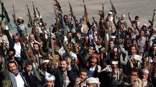 شاهد.. الحوثيون يحرقون أراضي أهالي مأرب