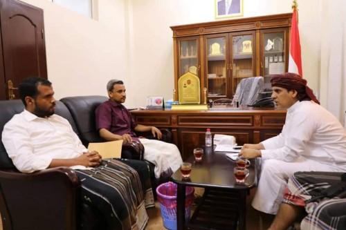 اجتماع هام بالمهرة لمناقشة الوضع الإداري والفني بمحطات الكهرباء في المحافظة