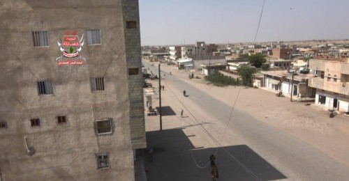 احتراق منزل مواطن في قصف حوثي على الأحياء السكنية في حيس