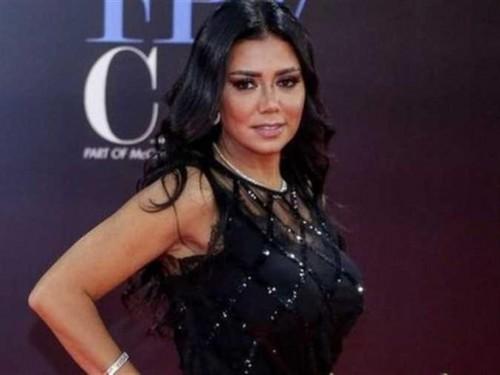رانيا يوسف تتلقى نقد لاذع بعد دعمها إسقاط الولاية عن الفتاة بالسعودية