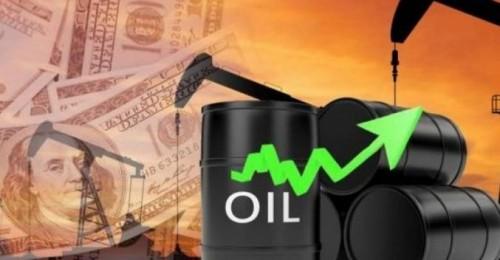 أسعار النفط تقفز على حساب تراجع المخزونات الأميركية