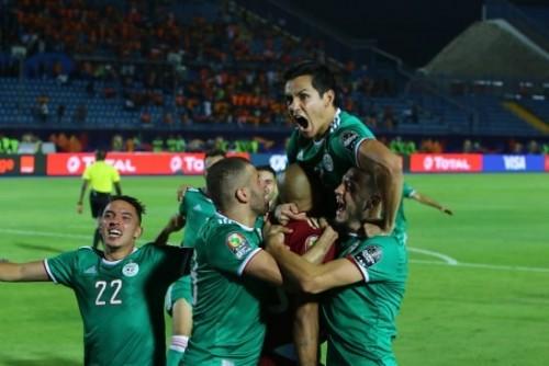 الجزائر تقصي ساحل العاج بركلات الترجيح وتبلغ نصف النهائي