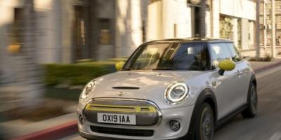 """""""بي.إم.دبليو"""" تطرح سيارتها الكهربائية الجديدة أوائل 2020"""