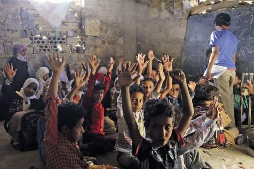 المدارس وزمن الحوثي.. تطرفٌ في ورقةٍ وكتاب