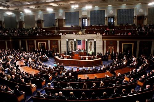 الكونغرس الأمريكي يصوت على الحد من قدرة ترامب في شن حرب ضد إيران