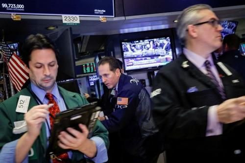 """بورصة """"وول ستريت"""" تغلق على مستويات قياسية مرتفعة في ختام الأسبوع"""