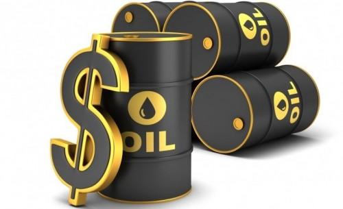 استقرار أسعار النفط بفضل توقعات وفرة المعروض