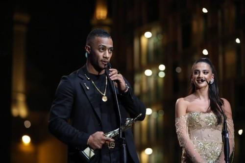 محمد رمضان يشعل مسرح مهرجان بياف بلبنان بعد حصوله على جائزة أفضل ممثل