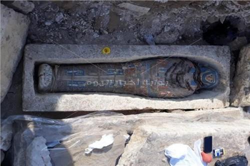 """اكتشاف معالم أثرية جديدة في مصر وفتح هرمي """"سنفرو والكا"""""""