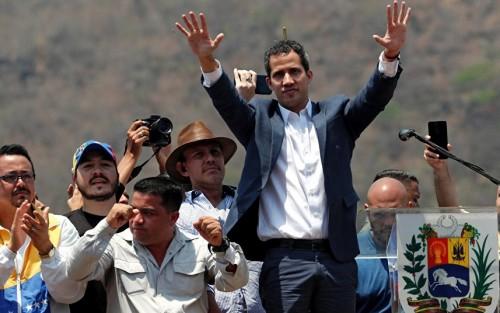 """الأمن الفنزويلي يوقف اثنين من حرس زعيم المعارضة """"غوايدو"""""""