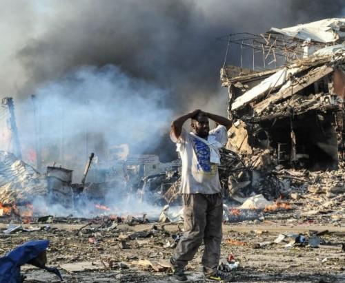 انتحاري يفجر نفسه داخل مقهى بالصومال