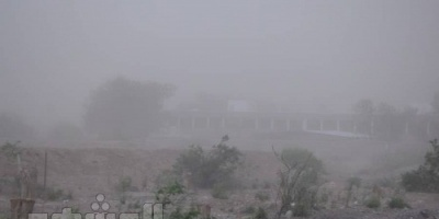 تحذيرات من عاصفة ترابية قوية شمال محافظة عدن
