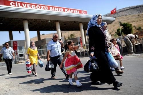 عبر الترحيل الجماعي.. هكذا غدر أردوغان بلاجئي سوريا