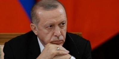 صحفي سعودي: أردوغان يحاصر شعبه بسياساته الحمقاء
