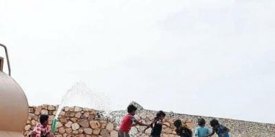 بدعم إماراتي..توفير مياه شرب صالحة للمواطنين في سقطرى