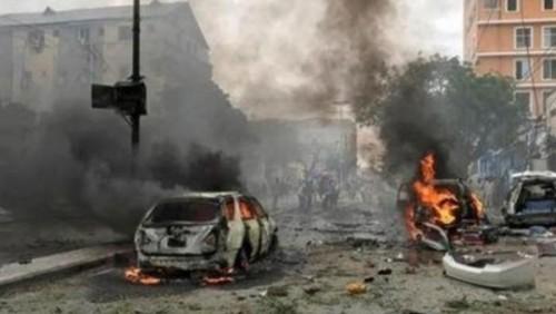 مقتل مدنيين وإصابة 20 آخرين في تفجير انتحاري مزدوج بالعراق